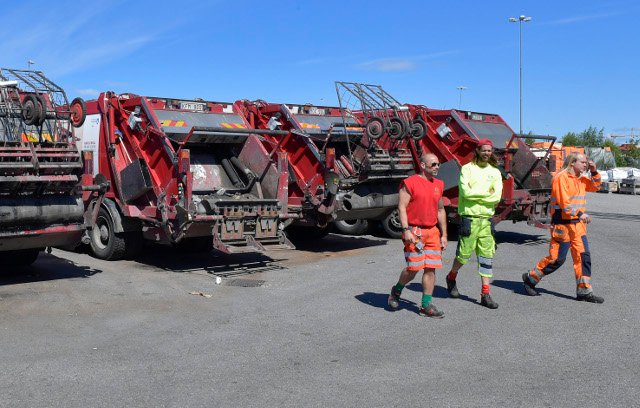 Stockholm waste collector strike continues as trash starts to pile up