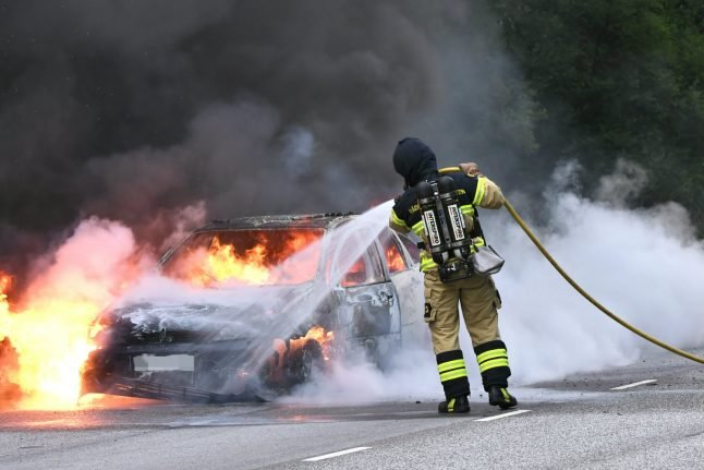 Police arrest one after Malmö hit by 'extensive' car fires