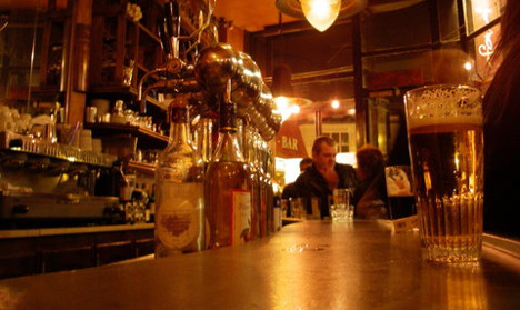 What to expect when working in a bar in Paris