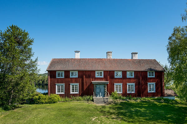 IN PICTURES: Farmhouse from 1738 for sale in Sweden
