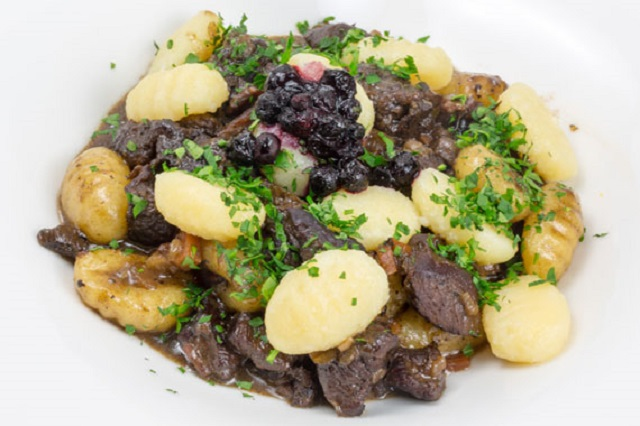 Recipe: How to make venison stew with bilberries and gnocchi
