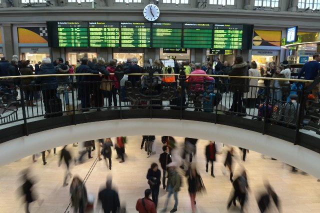Trains delayed after IT glitch hits rail services