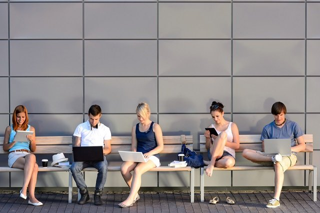 Young people in Sweden more likely to question information online