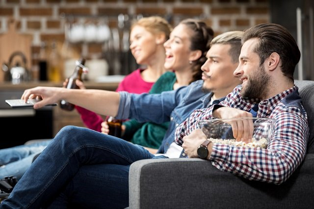 What do TV viewing habits reveal about political preferences in Sweden?