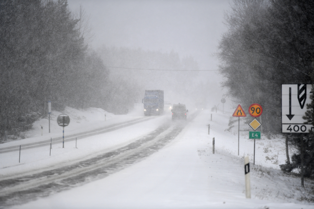 Heavy snow and wind across northern Sweden