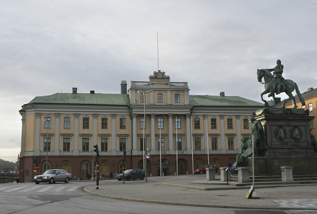Two Swedish diplomats to be expelled from Russia: reports