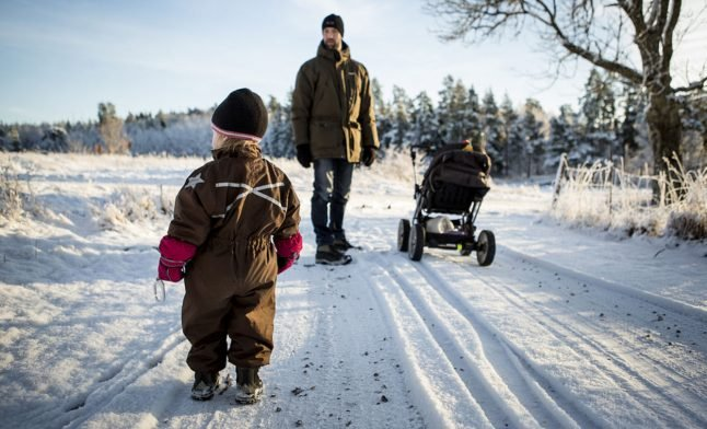 Swedish dads told to take five months of parental leave