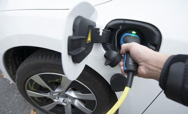 Sweden to subsidize installing home chargers for electric cars