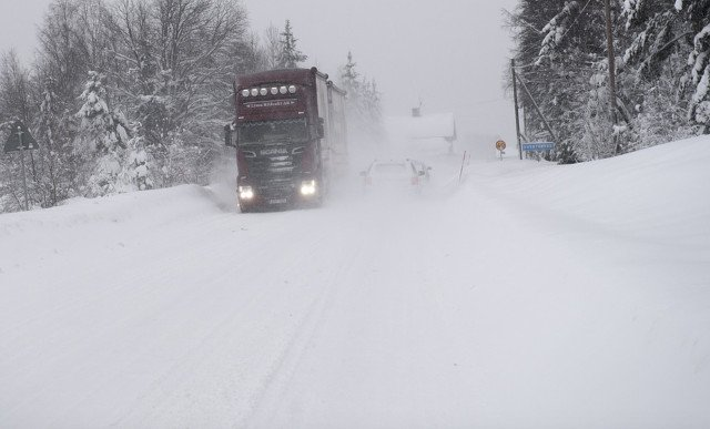 Weather warnings across most of Sweden with traffic problems predicted