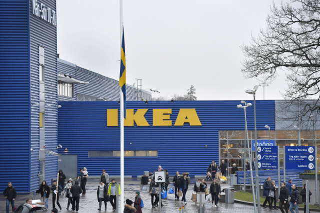 Half of Ikea founder Ingvar Kamprad's fortune to be given away