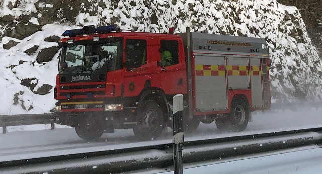 Man jumps from top floor and lands in snow to escape Swedish house fire