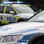 Man throws chainsaw at Swedish police in spectacular car chase