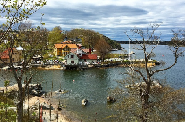 How to travel to the Stockholm archipelago without paying extra