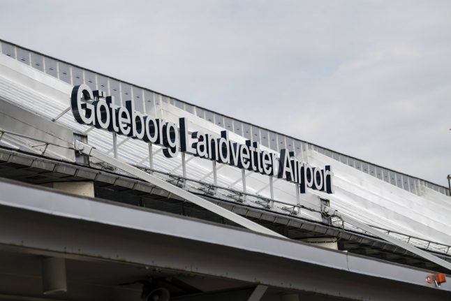 Forest fire causes flight delays at Gothenburg airport