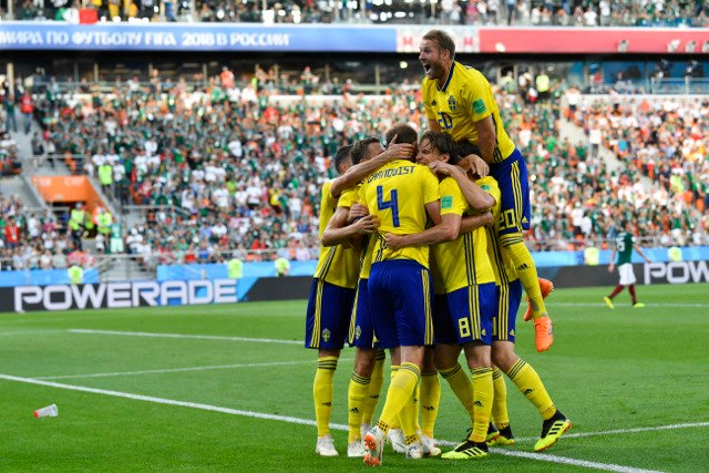 Sweden top group and power into World Cup last 16 with dream win over Mexico