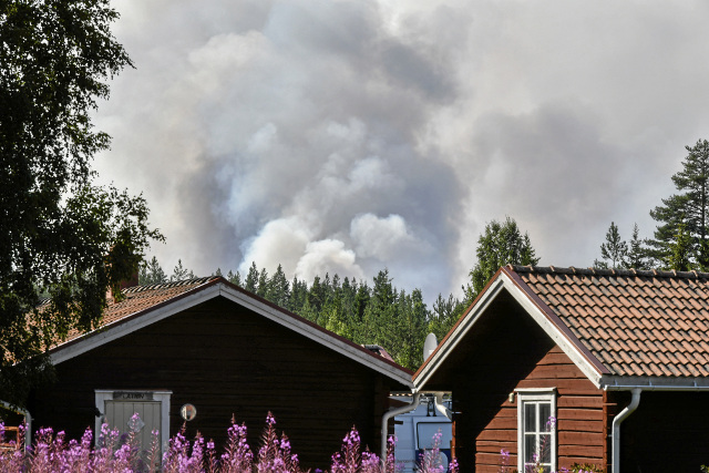Sweden asks for more EU water bombers to combat wildfires