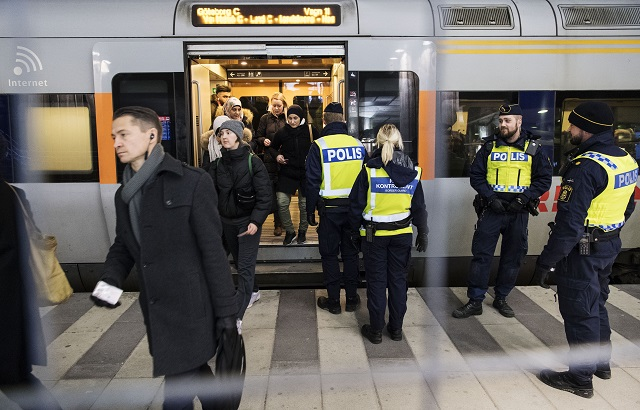 New border controls introduced at airports and ports across Sweden