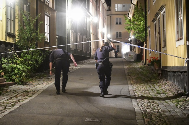 One arrested over 'dangerous object' in Stockholm apartment block