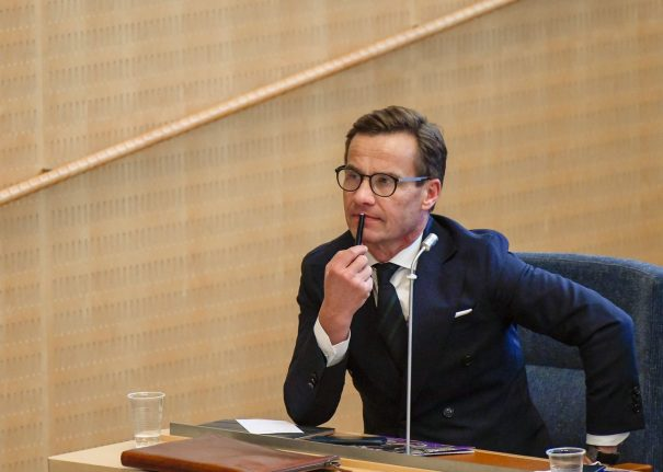 Swedish centre-right leader abandons first bid to form government