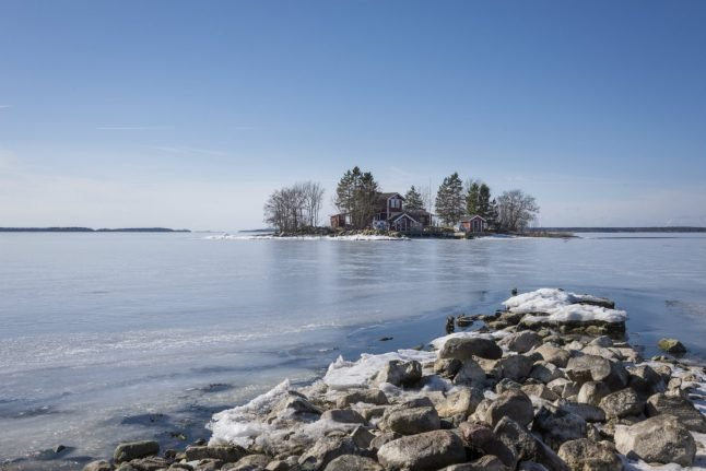 Winter sneaking up on Sweden after mild autumn