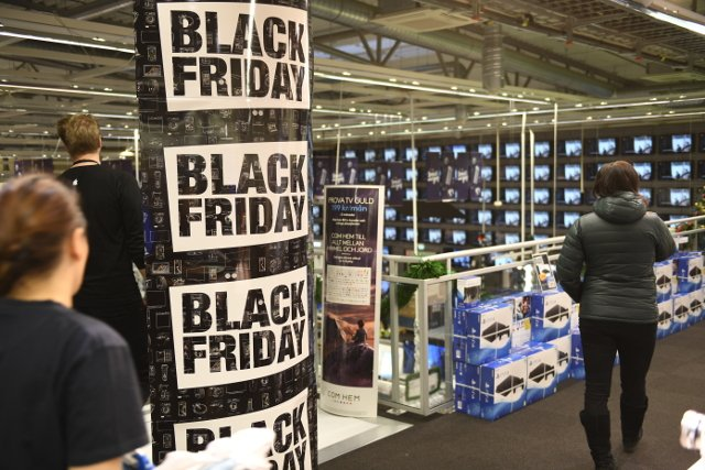 Swedes to blow billions of kronor on Black Friday shopping bonanza