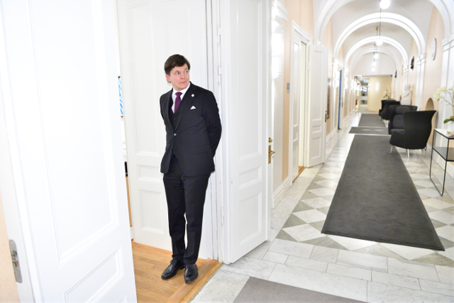 Sweden starts laying the groundwork for snap election