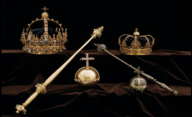 Suspect admits stealing 17th-century Swedish royal crowns