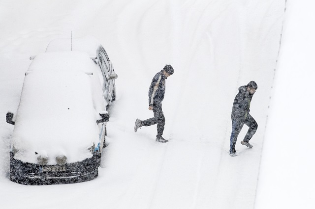 More snow on the way for western Sweden amid continued transport disruption
