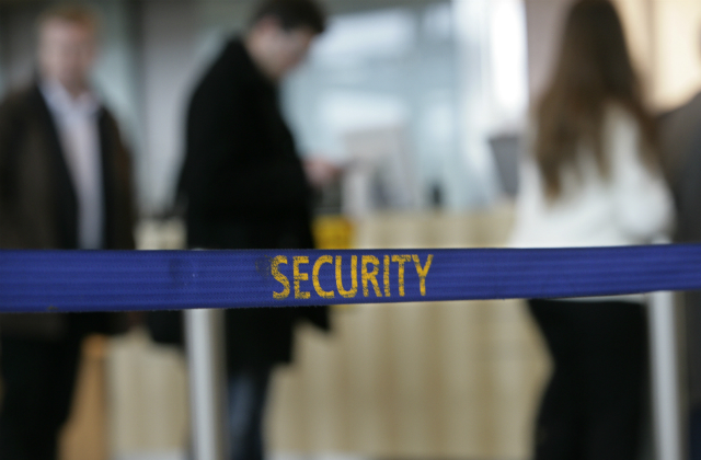 Several Swedish airport workers linked to criminal gangs: police report