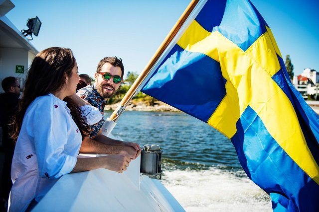 How do people in Sweden rate their work-life balance?