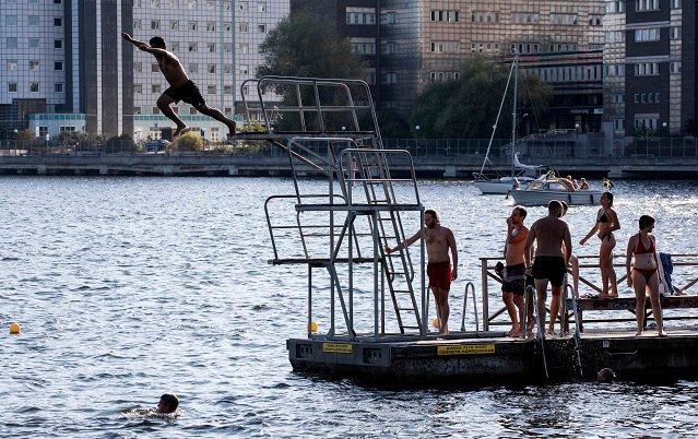 This map reveals Sweden's cleanest swimming spots