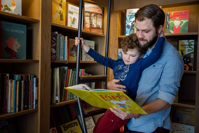 Dads in Sweden are taking out more parental leave