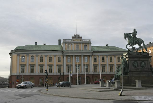 Russia expels two Swedish diplomats amid growing tensions
