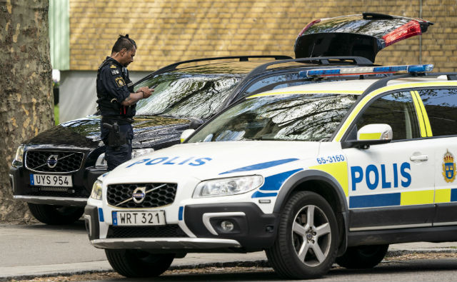 Five held after armed robbery at Malmö apartment