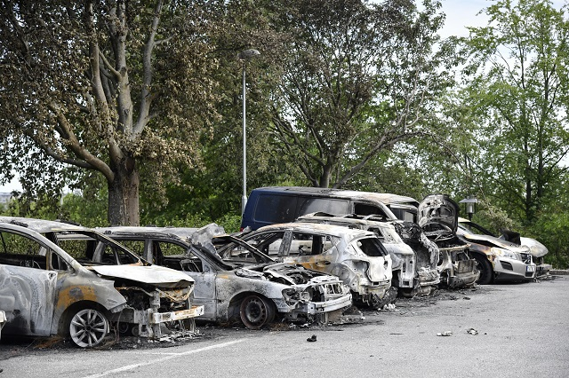 19 cars burned in suspected arson attack in Stockholm