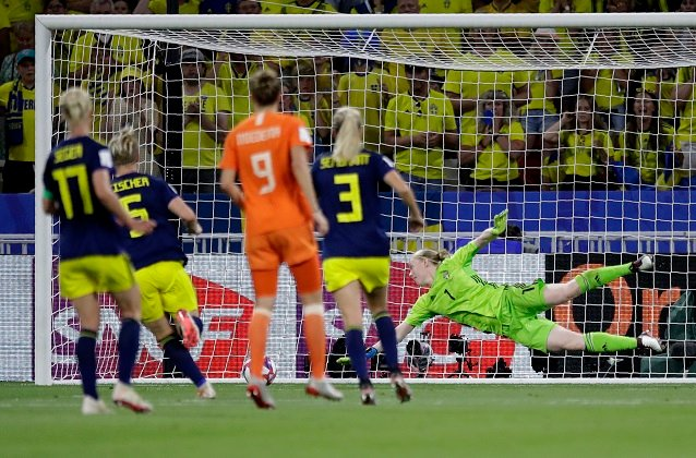 Women's World Cup: Sweden vow to fight for third place after painful semi-final defeat to Netherlands