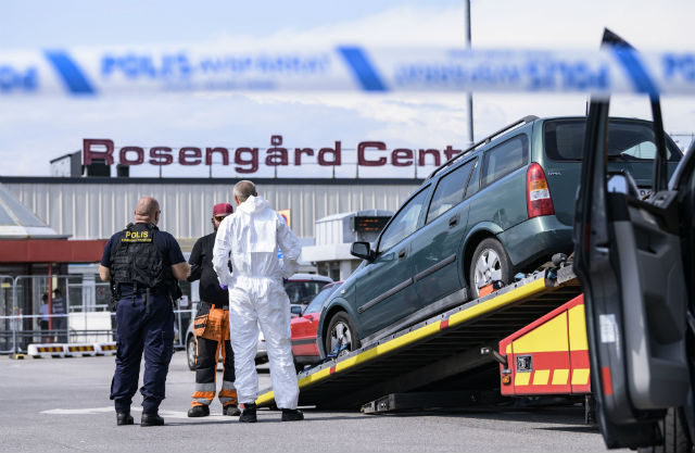 Malmö police: Man found injured actually shot himself by accident