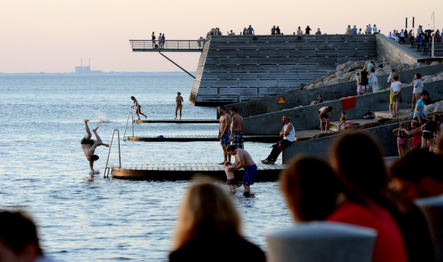 The six waves of migration that made Malmö