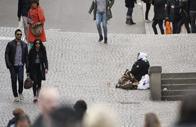 Swedish town becomes first in country to introduce licence fees for beggars