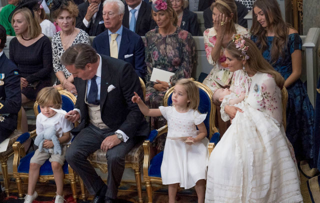 King Carl XVI Gustaf removes five grandchildren from Royal House