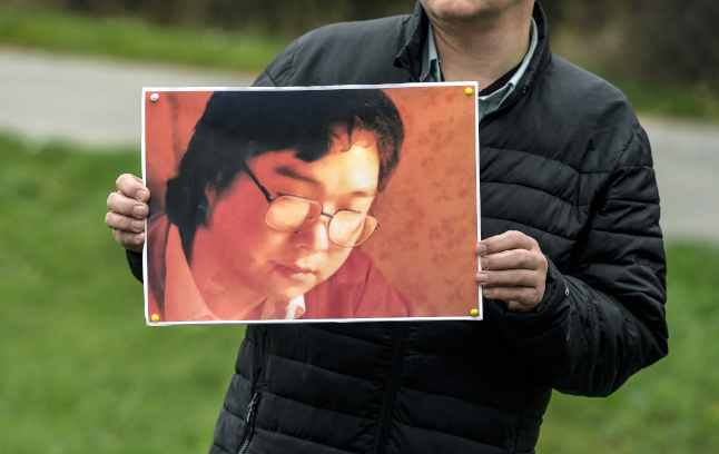 EU urges China to respect rights of jailed Swedish book publisher Gui Minhai