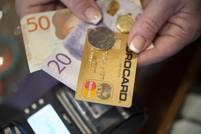 How to protect your finances when the economic downturn hits Sweden
