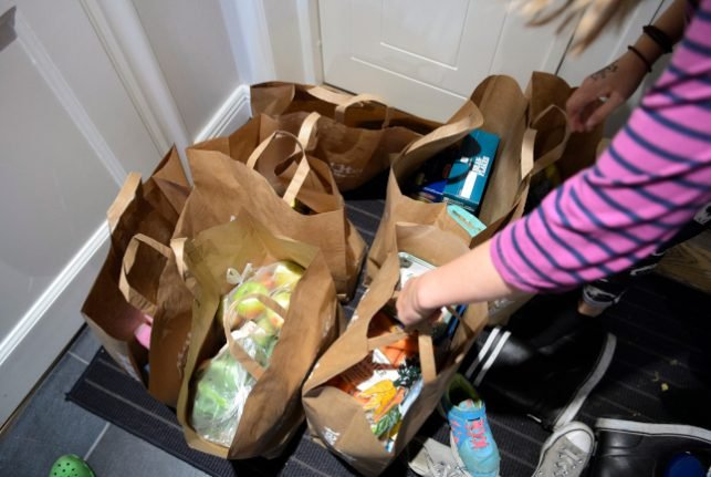 Which grocery delivery company offers the best service for foreigners in Sweden?
