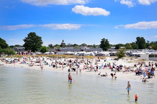 How are Sweden's tourist spots coping with the risk of coronavirus outbreaks this summer?