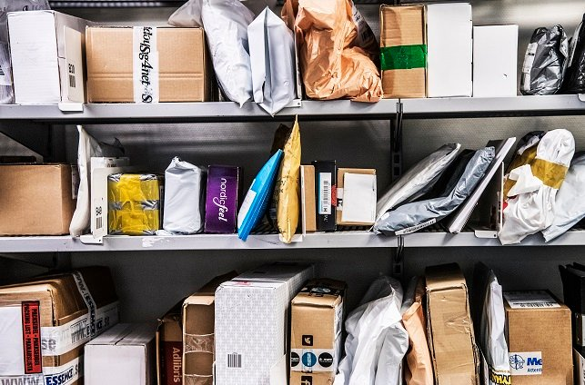 What's going on with international parcels to Sweden?
