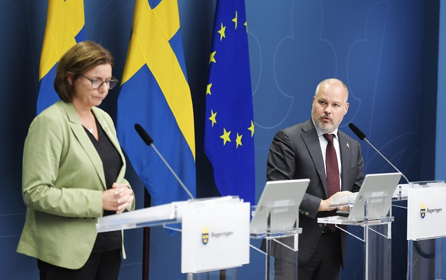 Swedish government announces next steps in overhaul of migration law