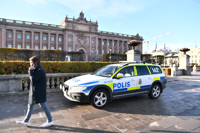 Swedish police step up anti-terrorism work – but deny social media rumours