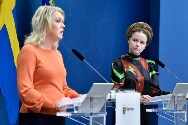 Swedish government to propose temporary pandemic law