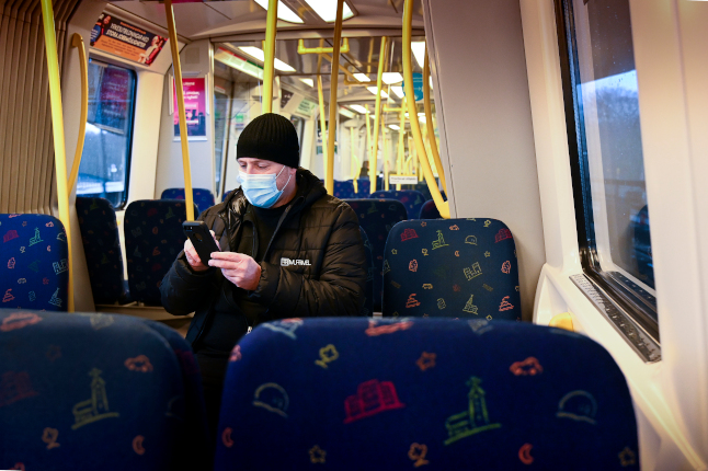 EXPLAINED: When and where do you need to wear a face mask in Sweden?