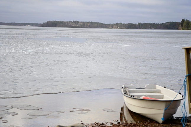 Four people die after falling through the ice in Sweden